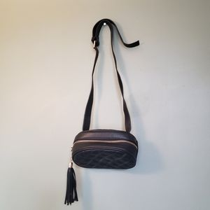 🔥Urban Outfitters fanny pack with tassel details